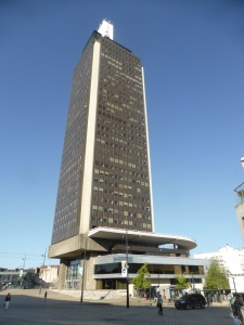 110. Nantes. Torre Bretagne