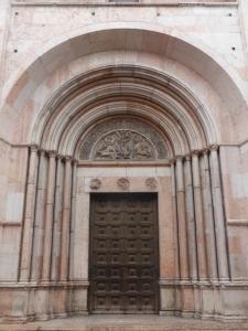 1370. Parma. Baptisterio. Portada de Barlaam (al sur)