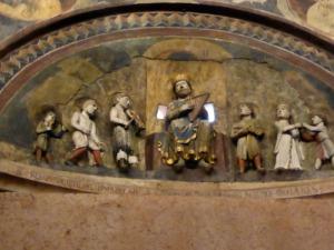 1406. Parma. Baptisterio. El Rey David con músicos