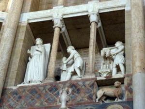 1414. Parma. Baptisterio. Meses del año