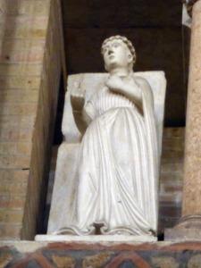 1416. Parma. Baptisterio. Meses del año. La Primavera