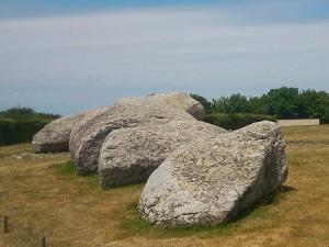 211. Locmariaqueur. Conjunto de los megalitos. Le Grand Menhir Brissé
