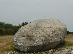 213. Locmariaqueur. Conjunto de los megalitos. Le Grand Menhir Brisé