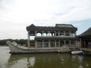 071. Pequín. Palacio de verano. Barco de mármol