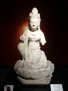 1082. Museo de Shangai. Bodhisattva. Dinastía Tang 610-907