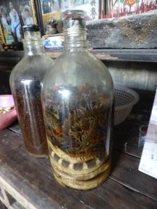 822. Yangshuo. Por los arrozales. Vivienda tradicional