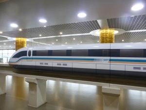 900. Shangai. Tren de levitación magnética
