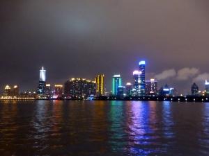 950. Paseo por el río Huangpu