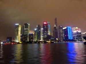 964. Paseo por el río Huangpu