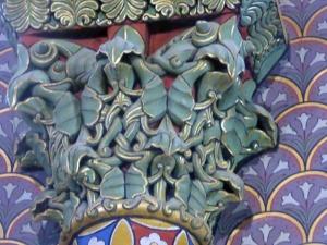 Capitel de los arcos que enmarcan las ventanas del ábside central 2