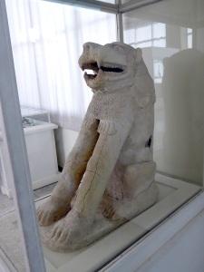 071. Teherán. Museo Arqueológico. León de terracota con ojos de cristal. Susa. 2º milenio a. C.