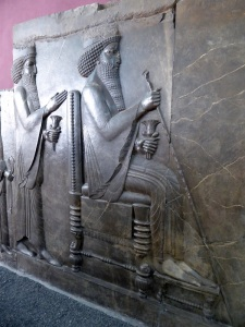 091. Teherán. Museo Arqueológico. Relieve de la escalera norte de la Apadana. Persépolis