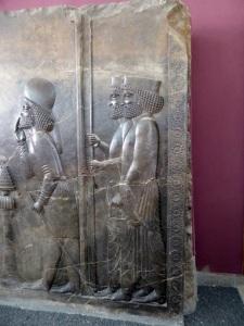 092. Teherán. Museo Arqueológico. Relieve de la escalera norte de la Apadana. Persépolis