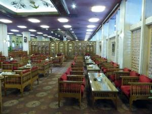 401. Isfahán. Restaurante Abbasi