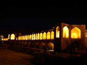 573. Isfahán. Puente Khaju