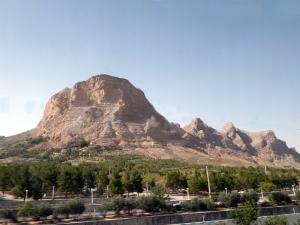 588. Saliendo de Ispahán
