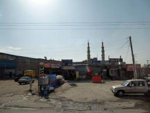 591. Saliendo de Ispahán. Gasolinera