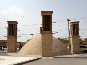 784. Yazd. Torres del Viento