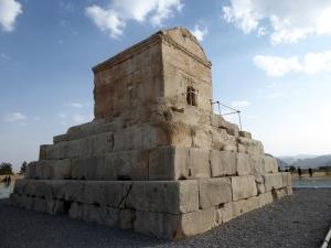 883. Passargad. Tumba de Ciro II el Grande