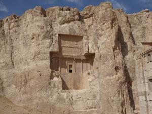 1035. Persépolis. Naqsh-e Rustam. Posible tumba de Darío II