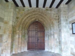 082. Monasterio de Irantzu. Portada acceso al claustro