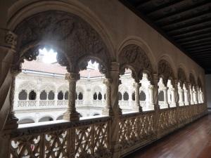 088. Valladolid. San Gregorio. Museo Nac. Escultura. Claustro