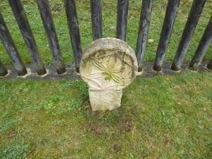 106. Monasterio de Irantzu. Estelas del antiguo cementerio
