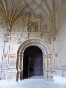 126. Monasterio de Irache. Puerta de acceso del claustro a la iglesia