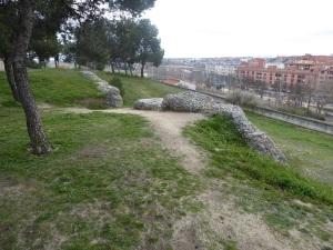 127. Medina del Campo. Castillo de la Mota. Restos murallas medievales