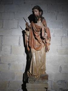 140. Puente la Reina. Iglesia de Santiago. Escultura en piedra policromada de San Bartolomé