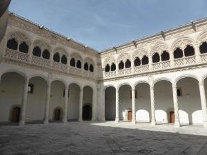 79. Valladolid. San Gregorio. Museo Nac. Escultura. Patio de los Estudios