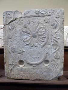 Estela paleocristiana procedente de la ermita de San Sebastián (Gastiain) 1