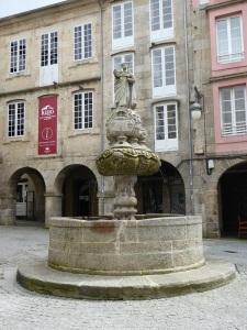 062. Lugo. Plaza del Campo. Fuente de San Vicente Ferrer