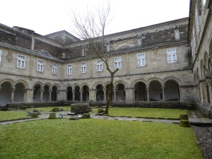 072. Lugo. Museo Provincial. Claustro del antiguo convento de San Fco.