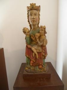 121. Mondoñedo. Museo cated.Virgen fechada en el XII (no creo)