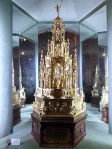 268. Santiago de Compostela. Museo catedral. Custodia procesional de Antonio de Arfe. 1539-1545. Plata sobredorada y esmaltes