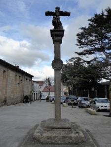 379. Santiago de Compostela. Cruceiro junto a San Fiz de Solovio
