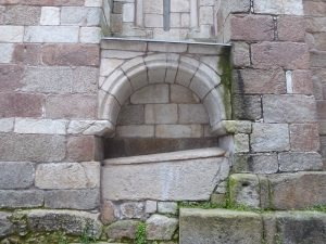 Arcosolio en fachada norte