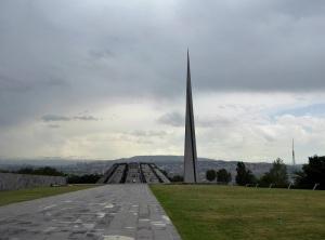 090. Ereván. Monumento del genocidio armenio