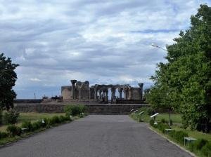 158. Templo de Zvartnots (Ángeles celestiales)