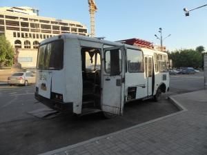 303. Ereván. Bus en funcionamiento