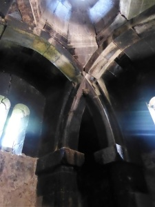 405. Monasterio de Goshavank. Escritorio