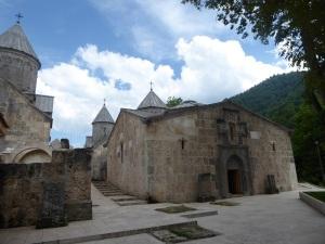 449. Monasterio de Haghartsin. San Gregorio y atrio