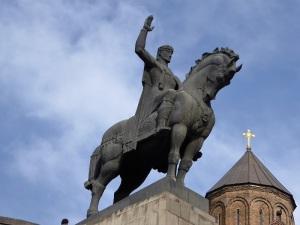 617. Tiflis. Estatua del rey Vakhtang