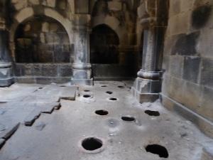860. Monasterio de Haghpat. Madre de Dios