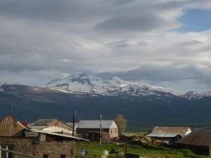 911. Camino a Ereván y el Ararat