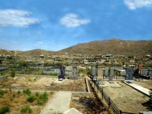 935. Llegando al monasterio de Khor Virab. cementerio