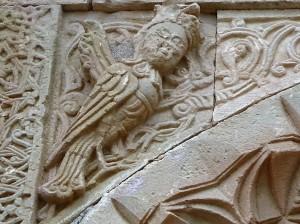 993. Monasterio de Novarank. Santa Madre de Dios. Portal inferior. Sirena 1