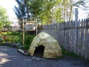 070. Cercanías de Quebec. Imitación poblado indios hurones