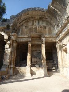068-nimes-templo-de-diana